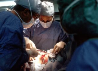 Can you become a surgical tech online?